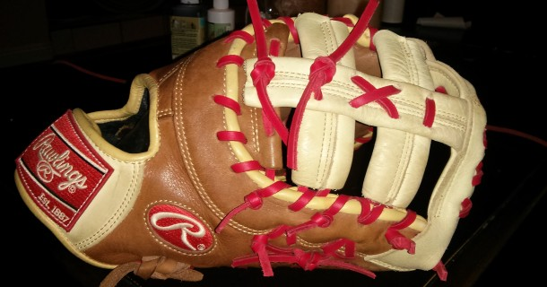 Rawlings Mitt Red Lace